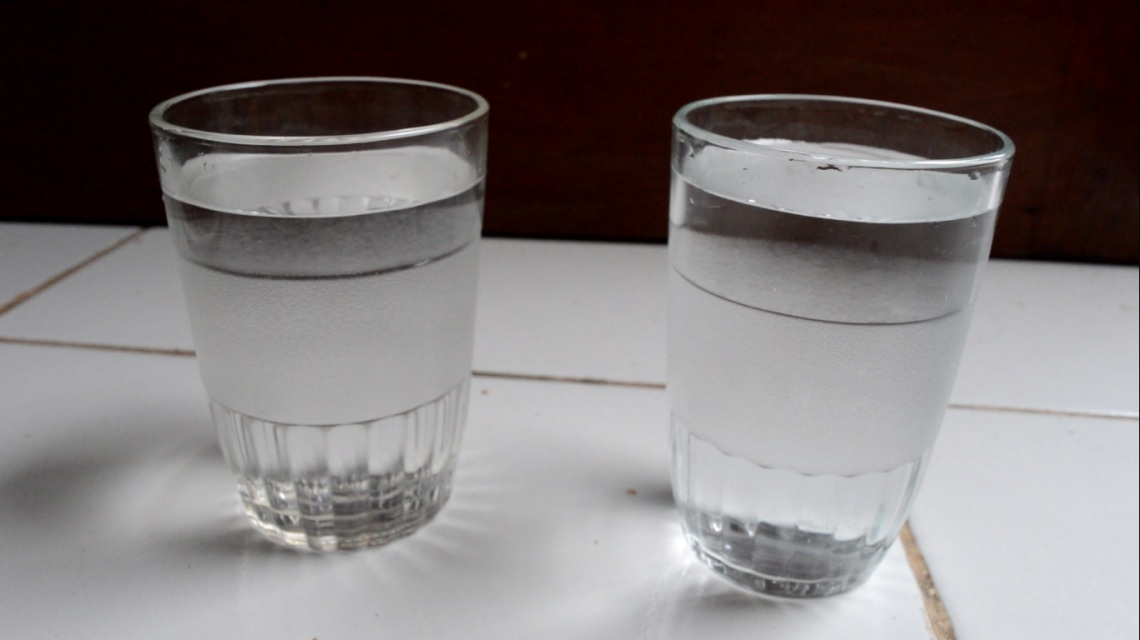 2 gelas air