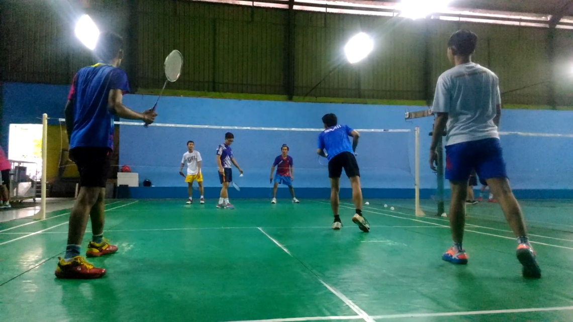 Badminton triple.Still002