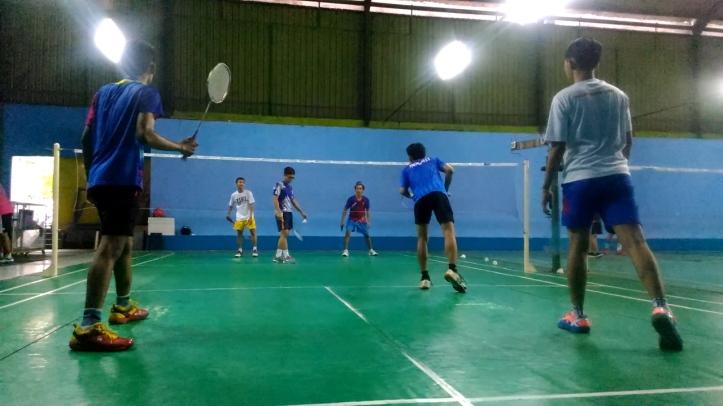 Badminton triple.Still002