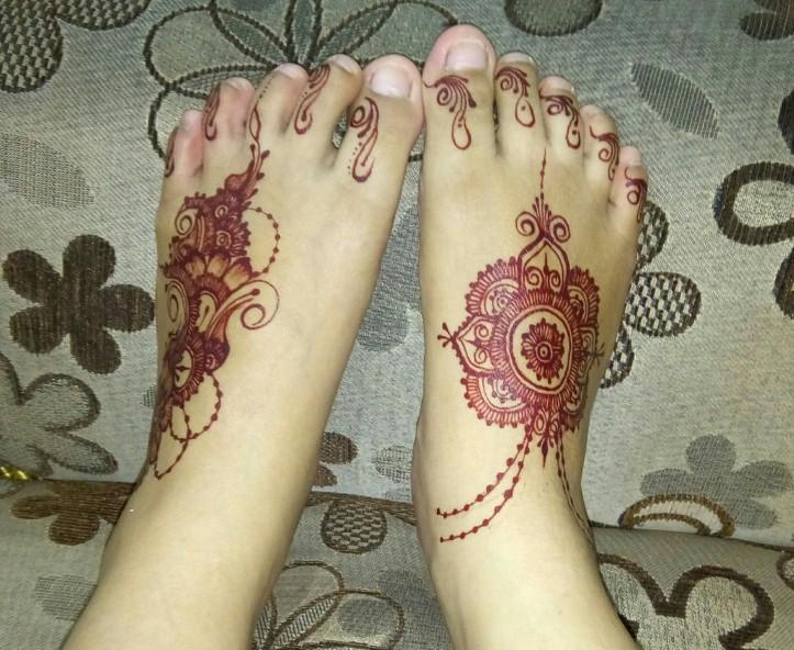 Gambar Henna Simple Di Kaki Untuk Pemula