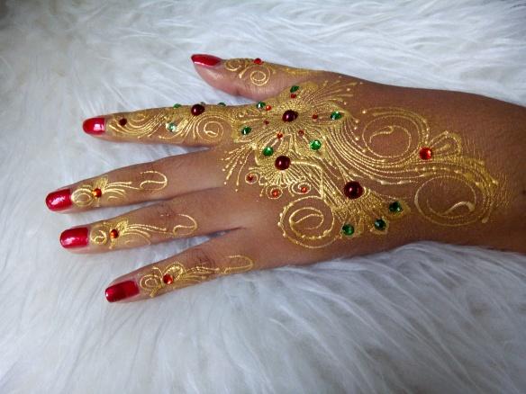 Cara Membuat Atau Mengukir Desain Henna Di Tangan Tell Dont Sell