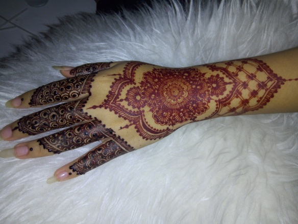 Perbedaan White Henna Dan Henna Merah Tell Dont Sell