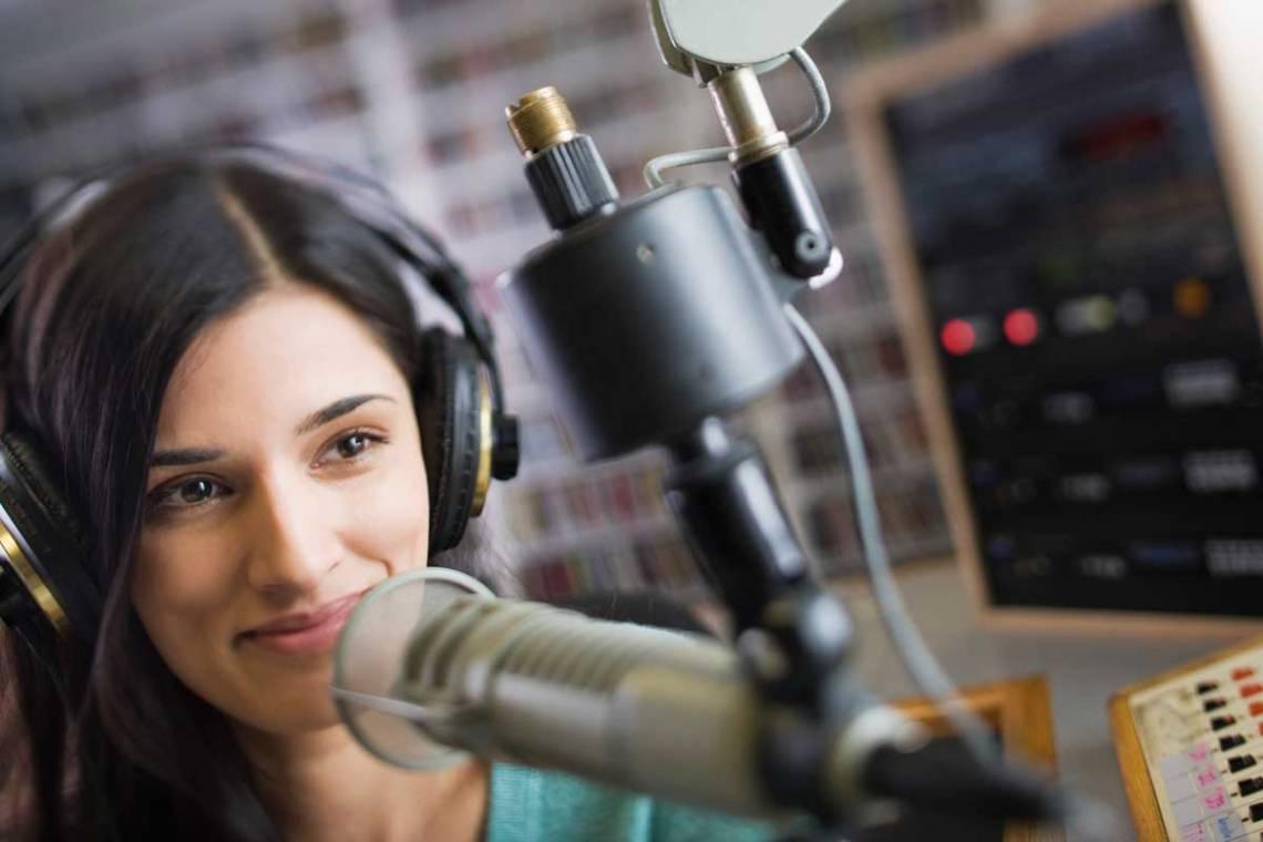 yellowcabin-penyiar-radio
